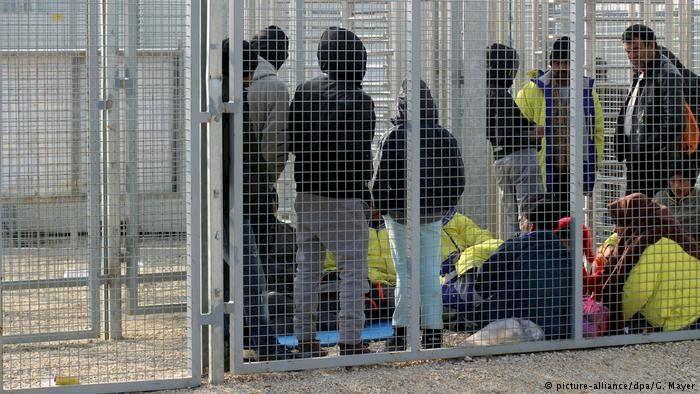 Românii care vor să muncească în Marea Britanie vor fi reținuți dacă nu au viză